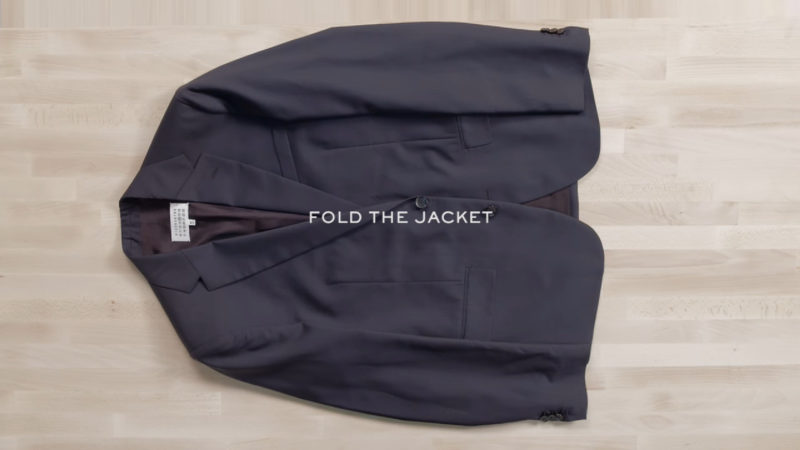 how to roll a suit jacket