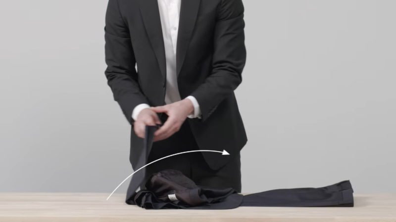 how to travel with a suit on a plane