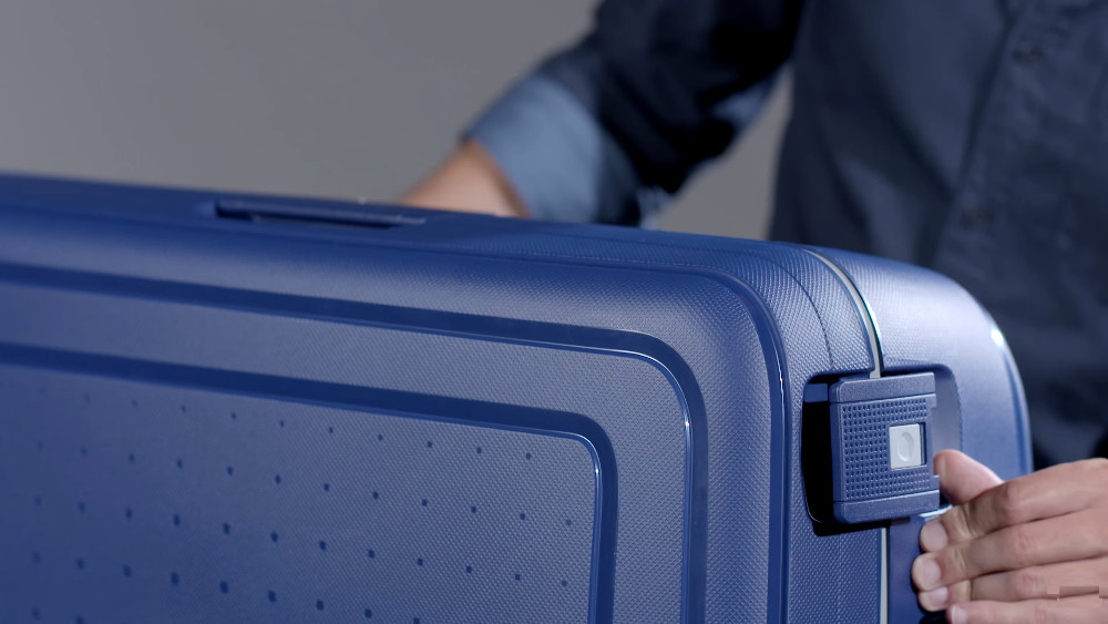 samsonite s'cure 20 hardside spinner carry-on